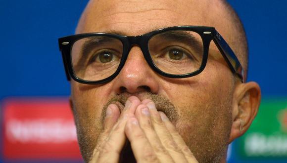 Sevilla, tercero en La Liga, enfrenta este miércoles al Leicester, que no logra salir de los últimos lugares de la Premier League. (AFP)