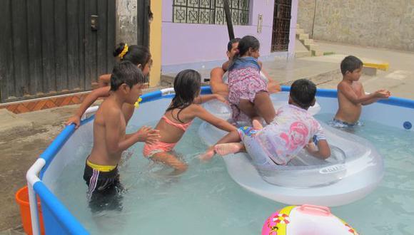 Sin verano. Quienes saquen piscinas a la calle serán multados. (USI)