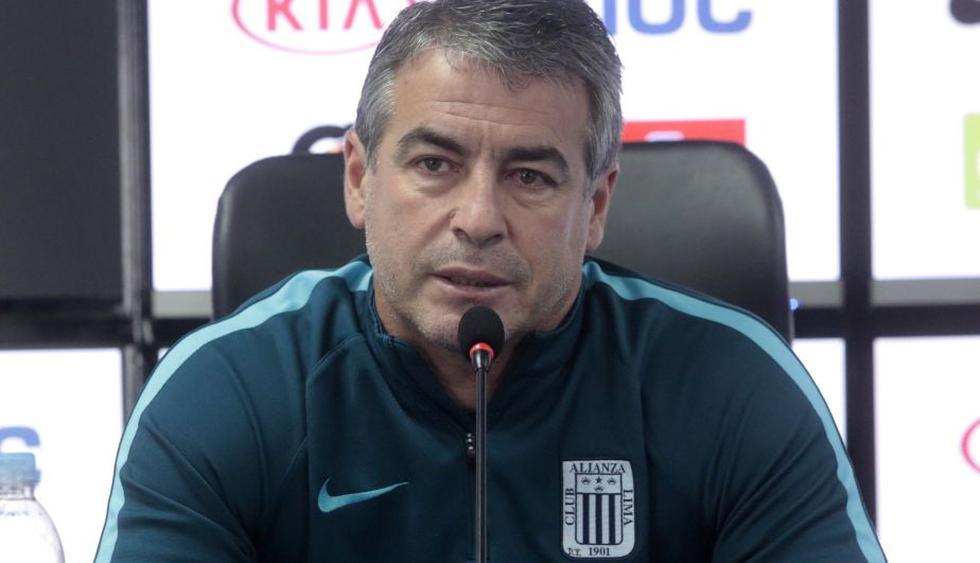 Pablo Bengoechea aseguró que siempre manda al campo de juego a los jugadores que él cree convenientes. (USI)