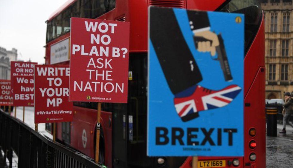 El futuro de Theresa May pende de un hilo. (Foto: EFE)