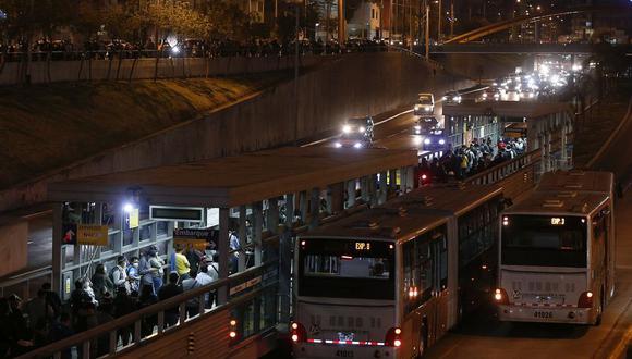 Las empresas concesionarias anunciaron la suspensión del servicio para este martes. (Foto: Andrés Paredes / @photo.gec)