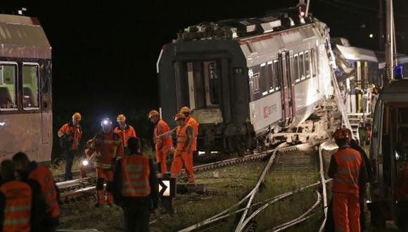 El cuerpo de uno de los conductores quedó atrapado en cabina. (Reuters)