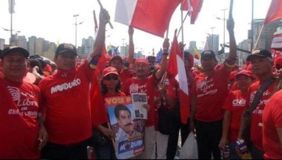 Dolor de cabeza. Manifestantes con polos de la Marca Perú dejan en mal pie a la Cancillería. (USI)