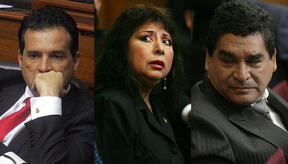 La crisis del Parlamento se intensifica por cuestionados 'padres de la patria'. (USI)