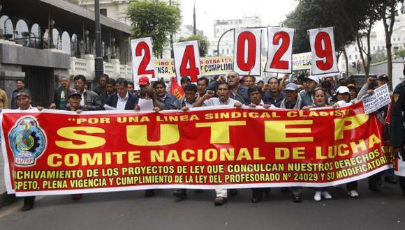 Sutep evalúa la convocatoria a una huelga indefinida. (USI)