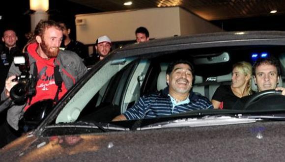Maradona armó un alboroto a su llegada a Argentina. (lacapital.com.ar)