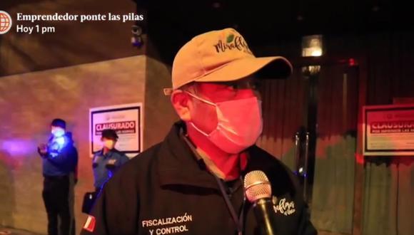 El coordinador de fiscalización de Miraflores señaló que el operativo se produjo luego de denuncias de los vecinos. (Foto: Captura de América Televisión)