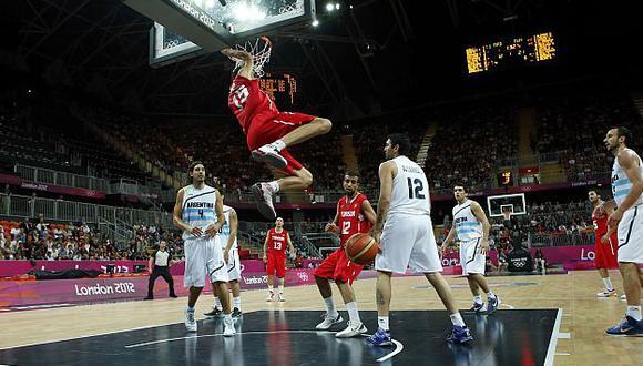 Durante el primer tiempo Túnez iba ganando el partido. (Reuters)