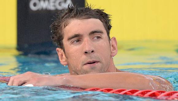 Michael Phelps fue suspendido 6 meses por la Federación de Natación de EEUU. (AFP)