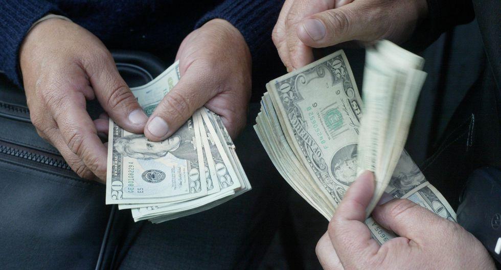 En casas de cambio, el dólar se cotiza a S/ 3.333 (compra) y S/ 3.334 (venta). (Foto: USI)