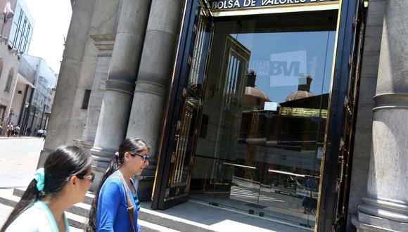 Hoy se reportó un monto negociado de más de S/ 27 millones en 304 operaciones. (Foto: Andina)