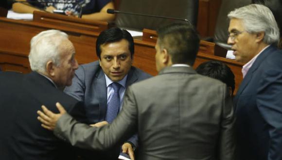 Violeta criticó pedidos de vacancia presidencial a Yeni Vilcatoma y Humberto Morales. (Renzo Salazar / Perú21)