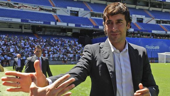 Raúl González se perfila como entrenador del prime equipo de Real Madrid. (Foto: AFP)