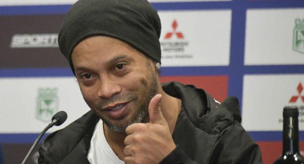 Ronaldinho jugará este jueves un amistoso entre Santa Fe y Atlético Nacional. (Foto: AFP)