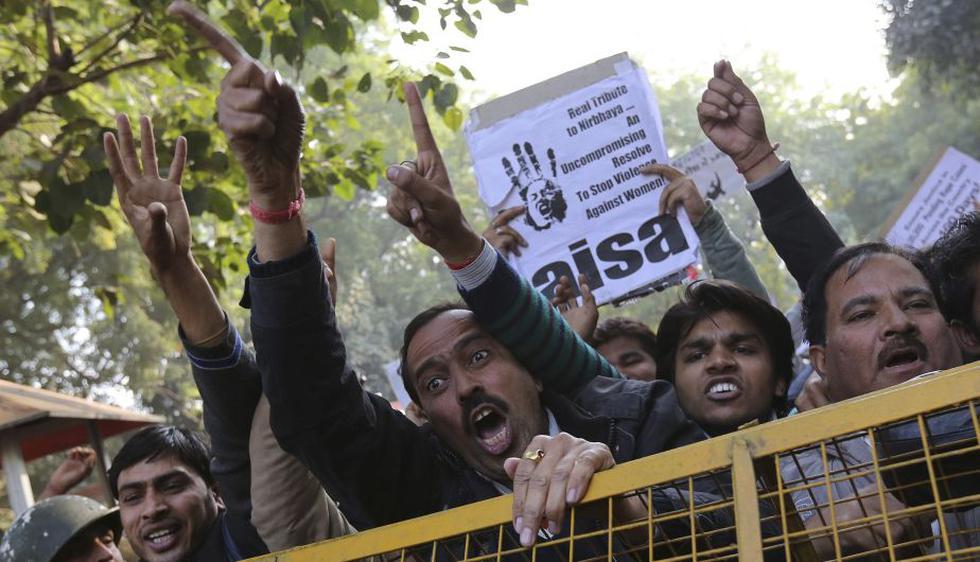 En algunas protestas, los manifestantes clamaban justicia y anunciaron que iban a continuar con la lucha contra la violencia sexual y por más derechos para las mujeres. (Reuters)