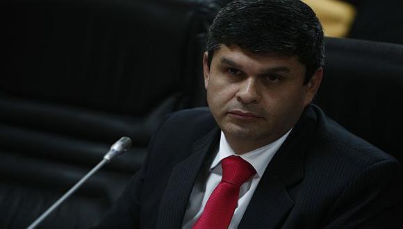 El oficialista Gastañaduí preside la comisión. (César Fajardo)