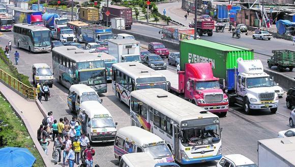 María Jara, la presidenta de la ATU, pidió a los ciudadanos no salir en horas punta para no generar congestión. (GEC)