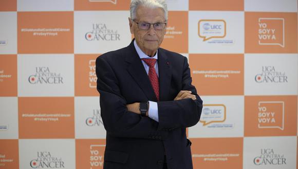 Antonio Llombart es patólogo oncológico con más de 50 años de experiencia.