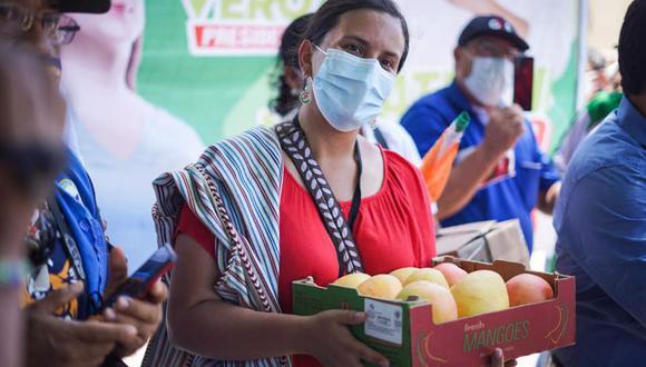 La candidata Verónika Mendoza evitó responder y aclarar sobre sus contratos inmobilarios.