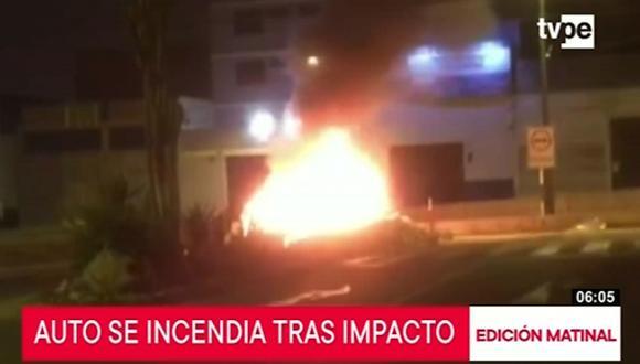 Taxista y pasajero resultaron ilesos tras el siniestro. (Captura: TV Perú Noticias)