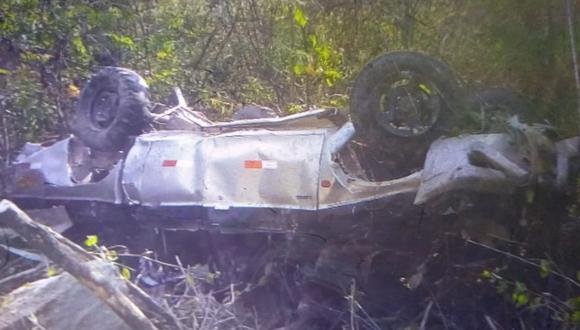 Piura: Un muerto y tres heridos dejó despiste de camioneta en abismo de 200 metros  (Foto: PNP)