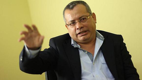 Policías que figuran en lista de contactos de Juez Justo, revista que era usada por la red del prófugo Rodolfo Orellana, serán separados. (Fidel Carrillo)