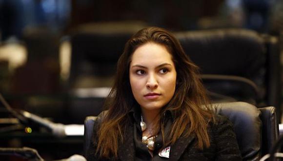 María Victoria Barros fue agredida por opositores al gobierno del presidente de Brasil, Michel Temer (Gazeta do Povo).