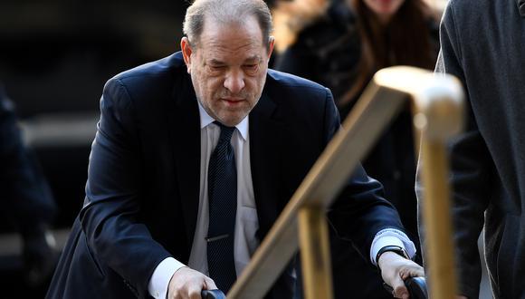 Un juez federal dictaminó que el productor de cine Harvey Weinstein sea trasladado durante las dos primeras semanas de julio a California. (Foto: AFP/JOHANNES EISELE)