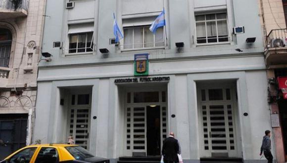 Argentina: Evacuaron la sede de la AFA por amenaza de bomba. (@FOXSportsArg)