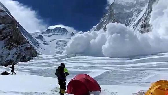 El alud se produjo a unos 5,800 metros de altitud. (AFP)
