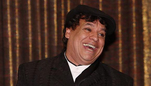 Juan Gabriel dice que no ve lejos el momento en que cante con Luis Miguel. (AP)