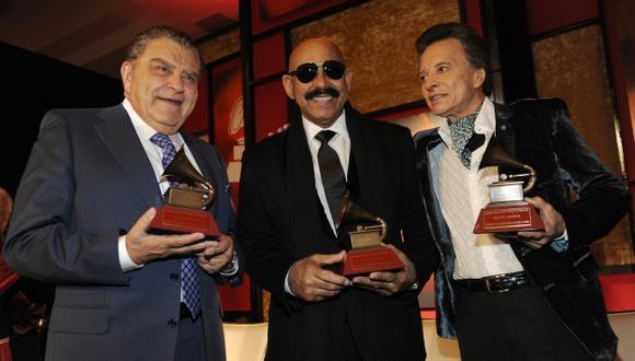 Los artistas fueron galardonados como antesala a los Grammys Latinos. (AP)