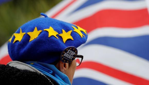 La oposición acusa a Theresa May de dejar pasar el tiempo a medida que se acerca la fecha de salida. (Foto: Reuters)