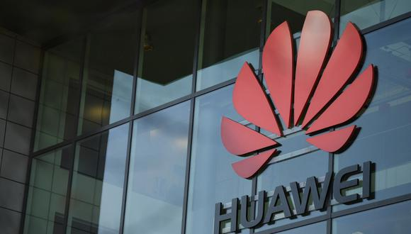 Huawei construirá fábrica en Francia la primera fuera de China. (Photo by DANIEL LEAL-OLIVAS / AFP)