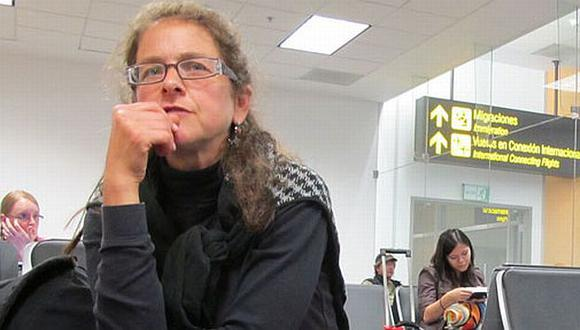 Berenson en el aeropuerto Jorge Chávez minutos antes de embarcarse rumbo a su país. (AP)