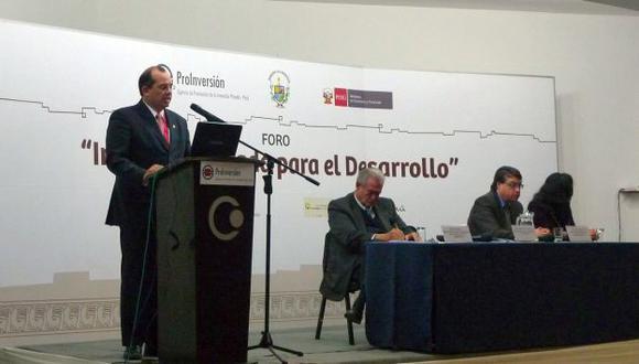 Castilla participó en foro organizado por Proinversión. (Andina)