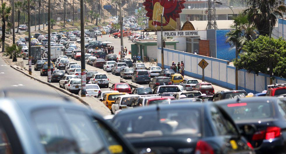 3. Saltarse el tráfico caótico. El caótico tráfico de la capital se vislumbra como la principal amenaza para unos Juegos Panamericanos.(Foto: Andina)