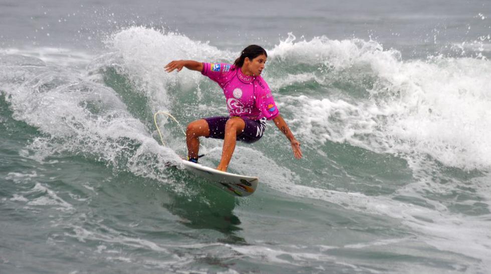 Sofía Mulanovich clasificó a la final del Mundial ISA Surf Japón 2019. (Foto: GEC)