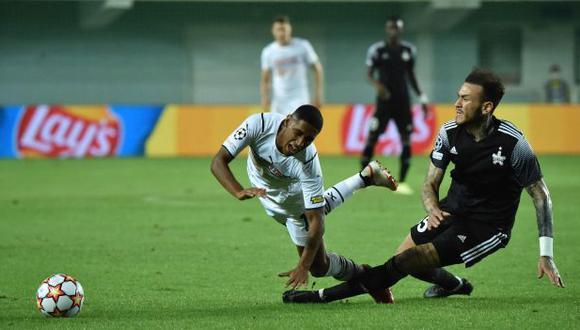 Gustavo Dulanto jugó 90 minutos en el estreno de FC Sheriff Tiraspol en la Champions League. (Foto: AFP)