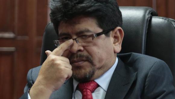 Teófilo Garrama considera una exposición innecesaria que Ollanta Humala esté en la ceremonia de entrega de banda presidencial a PPK. (Perú21)