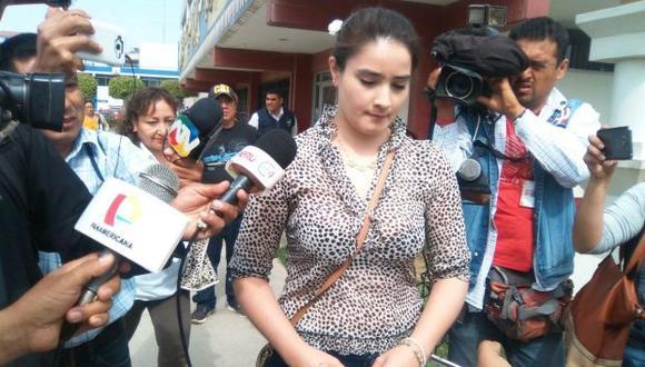 Libre. Pareja del ex alcalde de Chiclayo Roberto Torres abandonó el penal el último martes. (Nadia Quinteros/Perú21)