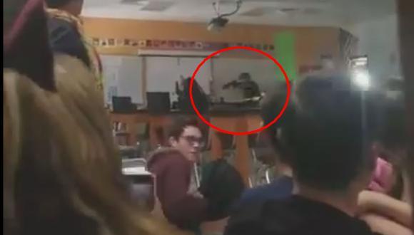 Los jóvenes grabaron varios momentos del tiroteo que habría dejado, hasta ahora, 17 muertos. (Twitter)