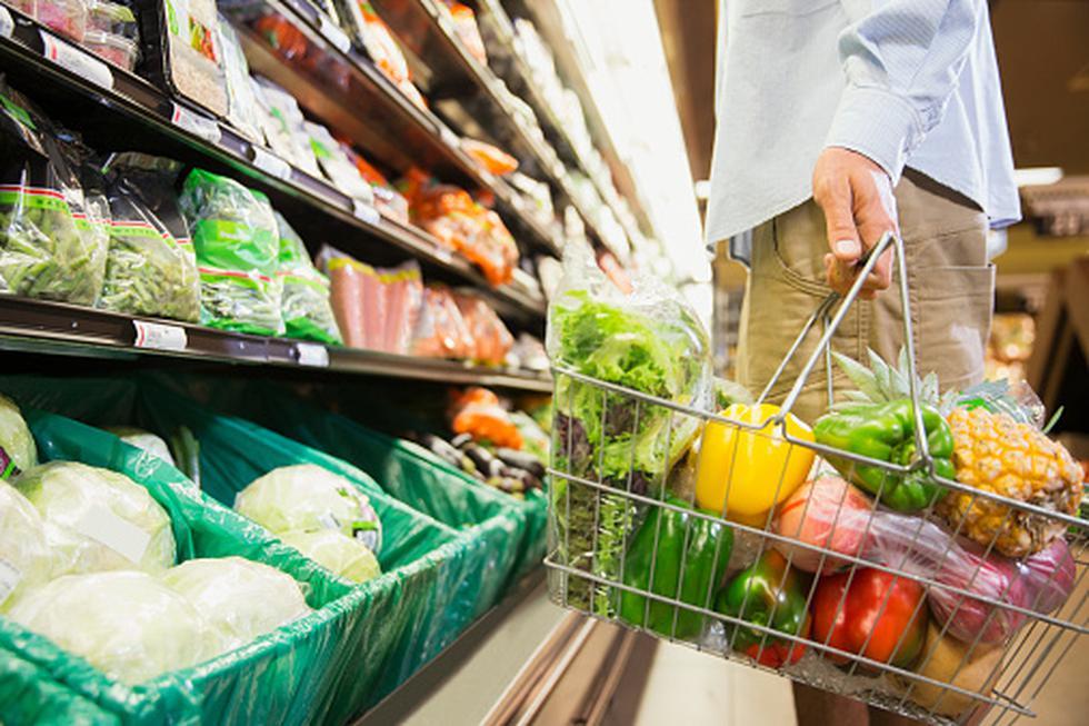 Prepara una cena navideña saludable. El plato debe contener 50 % de verduras, 25 % de proteínas y 25 % de carbohidratos.