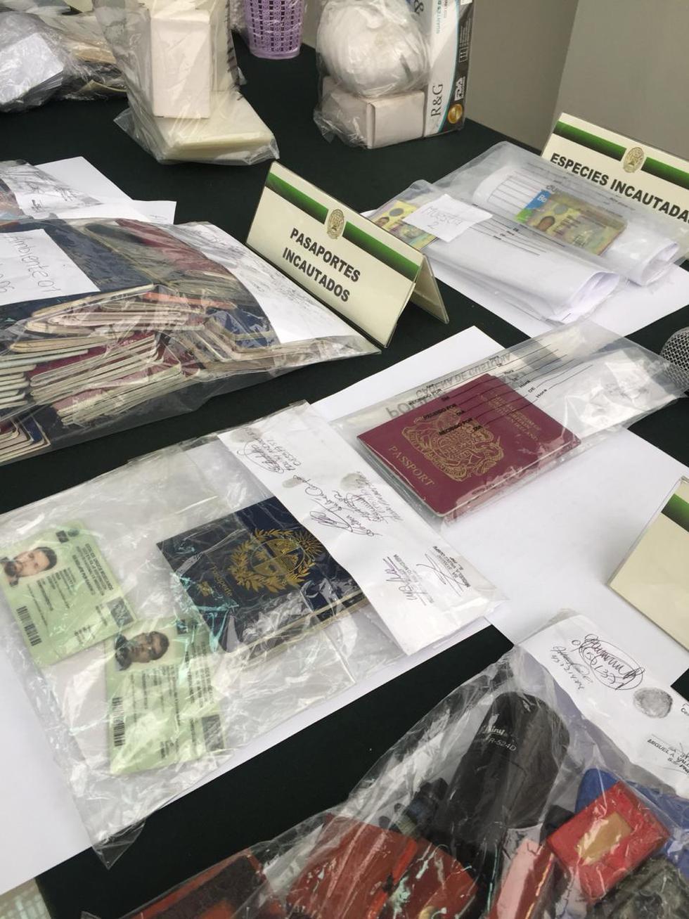 falsos pasaportes