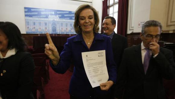 LISTA DE HONOR. Luisa María Cuculiza encabeza fórmula opositora al oficialista Víctor Isla. (Rafael Cornejo)