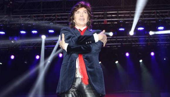 Camilo Sesto abandonó concierto por un dolor en el tobillo. (Difusión)