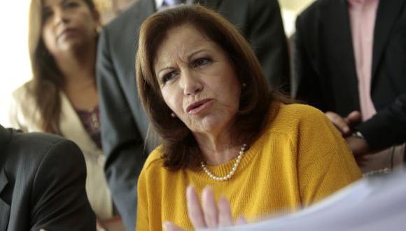 Lourdes Flores Nano no acepta la idea del borrón y cuenta nueva (Perú21)