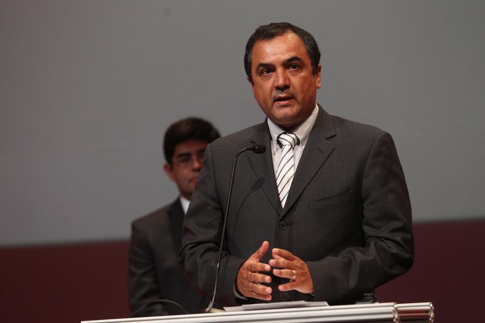 Carlos Augusto Oliva Neyra fue ex viceministro de Hacienda del Ministro de Economía y Finanzas entre los años 2011 al 2015. (USI)