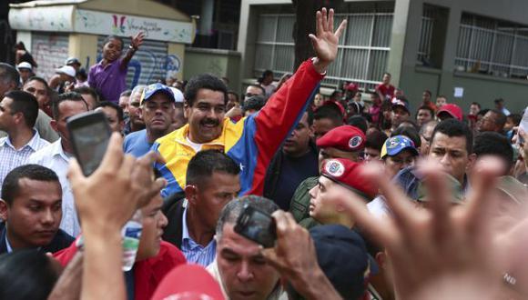 AL ATAQUE. Nicolás Maduro dice que EE.UU. ordenó a Capriles retirarse de la contienda electoral. (Reuters)