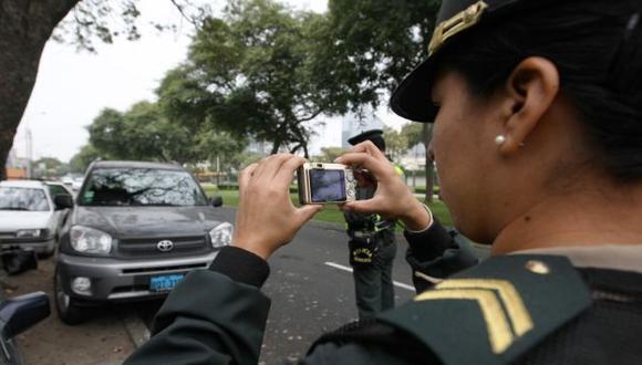Municipalidad de Lima y Policía Nacional volverán a imponer fotopapeletas. (Perú21)